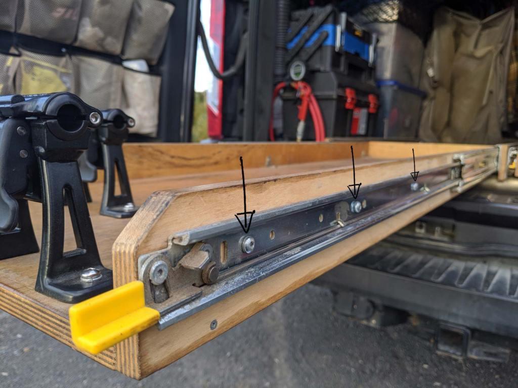 Mountain-Bike-Rack-Van-Storage-(6)