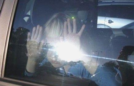 Возбуждено уголовное дело за оставление ребенка в салоне автомобиля