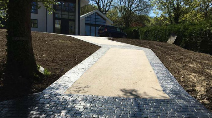 Resin Driveway with Pattern Imprinted Concrete Edging