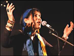 ترانه بسیار زیبای آن عوعوی سگان شما نیز بگذرد اثر خانم گیسو شاکری