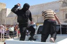 لاری: تنفر عمومی از شلاق زدن  و خودداری سرباز از زدن