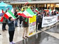گزارش تصویری از آکسیون اعتراضی در محکومیت قتل عام مجاهدین در کمپ لیبرتی – استکهلم 7 نوامبر 2015