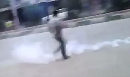 فیلم - تظاهرات و درگیریهای گسترده در شهرستان کوهدشت