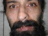 زندانی سیاسی سعید شیرزاد با دوختن لبانش اعتصاب غذا کرد