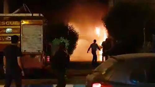 فیلم به آتش کشیدن شعبه مؤسسه آرمان در اهواز