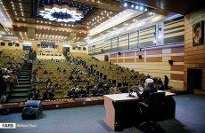 سخنرانی  جلیلی برای صندلیهای خالی در روز دانشجو
