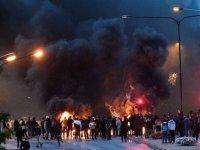 خشونت در مالمو سوئد به دنبال آتش زدن قرآن توسط یک گروه افراطی