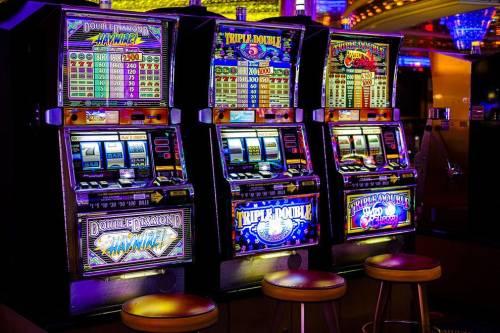 игровые автоматы играть бесплатно и без регистрации демо версии 5000 кредитов rich club