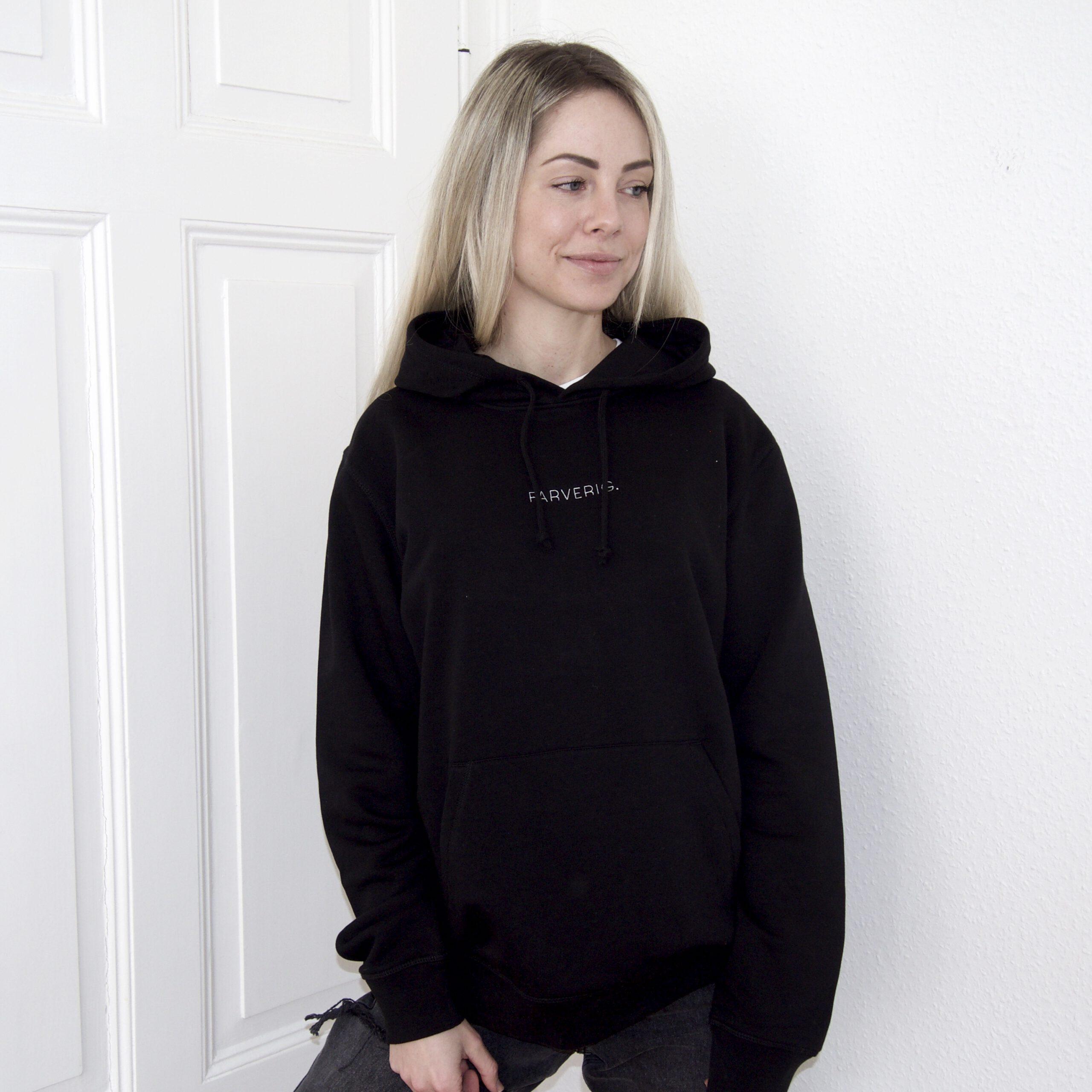 Organic Oversize Basic Hoodie – Female Model