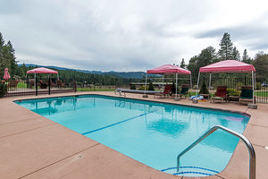 Greenhorn Guest Ranch swimming pool.