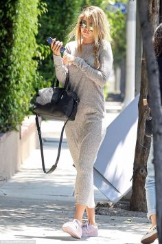Gigi hadid sneakers outfit on the street 26