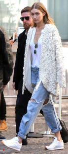 Gigi hadid sneakers outfit on the street 34