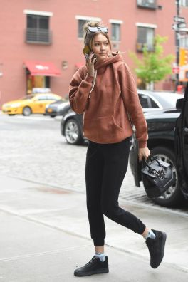 Gigi hadid sneakers outfit on the street 51