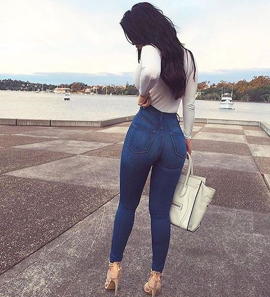 High waisted jeans outfit style 42