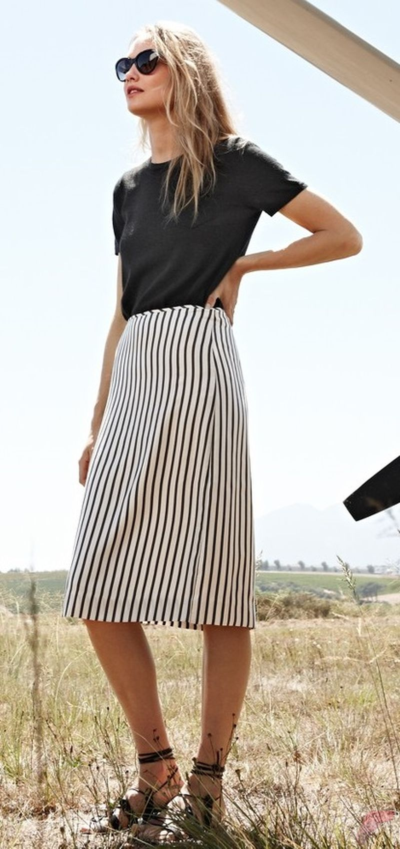 Minimalist style clothing for summer 30