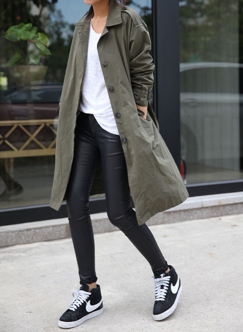 Sporty black leggings outfit and sneakers 101