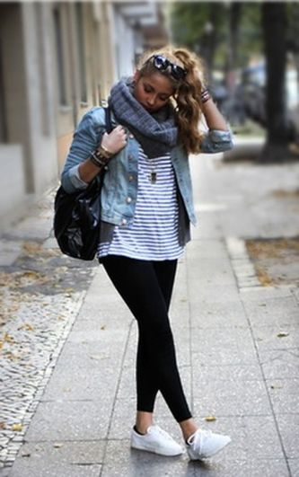 Sporty black leggings outfit and sneakers 73