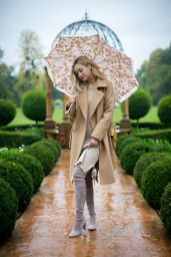 Awesome rainy day outfit style 17