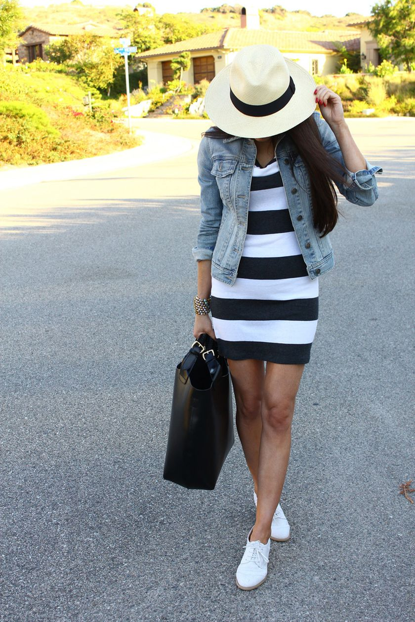 Casual black white striped midi dress outfit 27