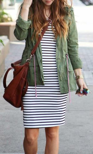 Casual black white striped midi dress outfit 35