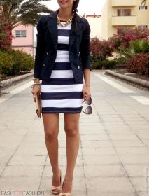 Casual black white striped midi dress outfit 39