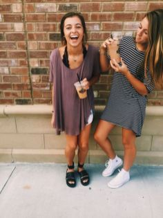 Cute oversized t shirt outfit styles 12
