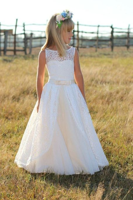 Gorgeous flower girl lace dresses ideas 12