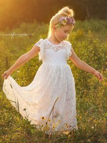 Gorgeous flower girl lace dresses ideas 6
