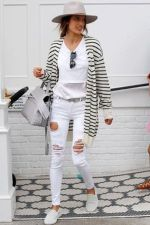 How to wear white sneaker for spring outfits 120
