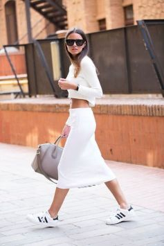 How to wear white sneaker for spring outfits 31