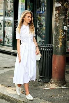How to wear white sneaker for spring outfits 32