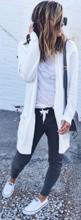 How to wear white sneaker for spring outfits 59