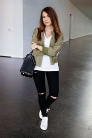 How to wear white sneaker for spring outfits 60