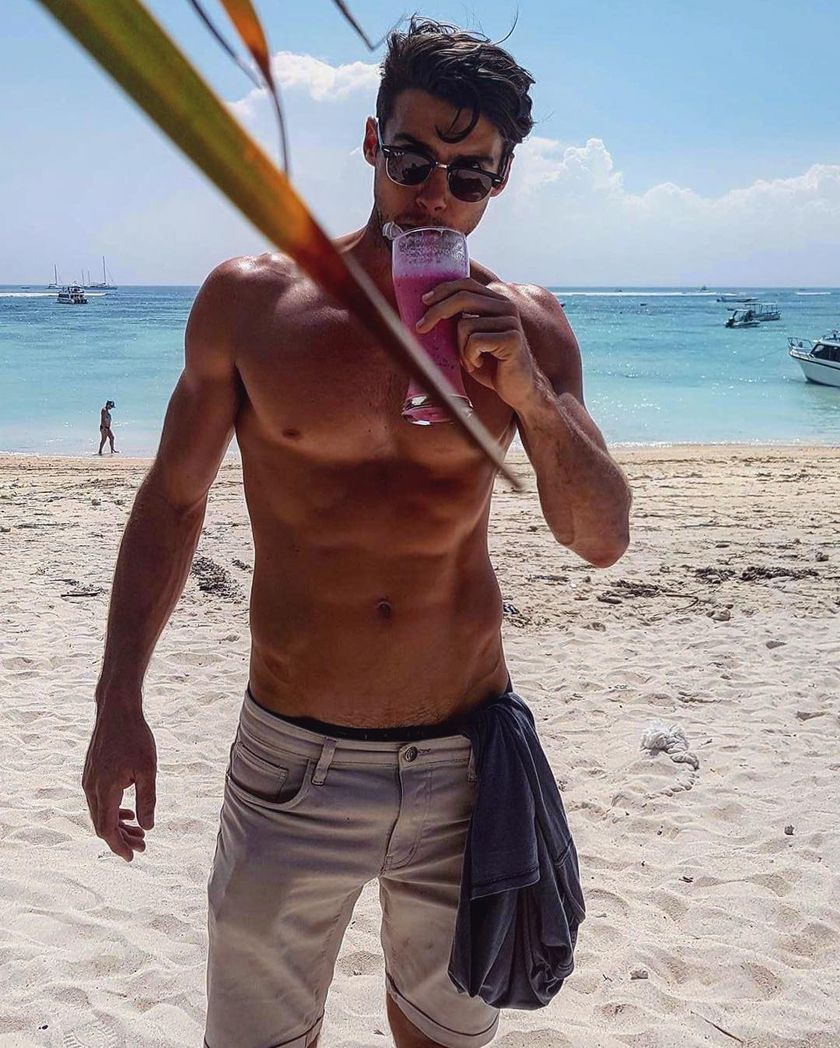 Mens fashions should wear while on the beach 19