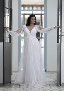 Plus size wedding dresses with sleeves 16
