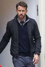 Ryan reynolds casual outfit style 11