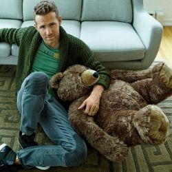 Ryan reynolds casual outfit style 20