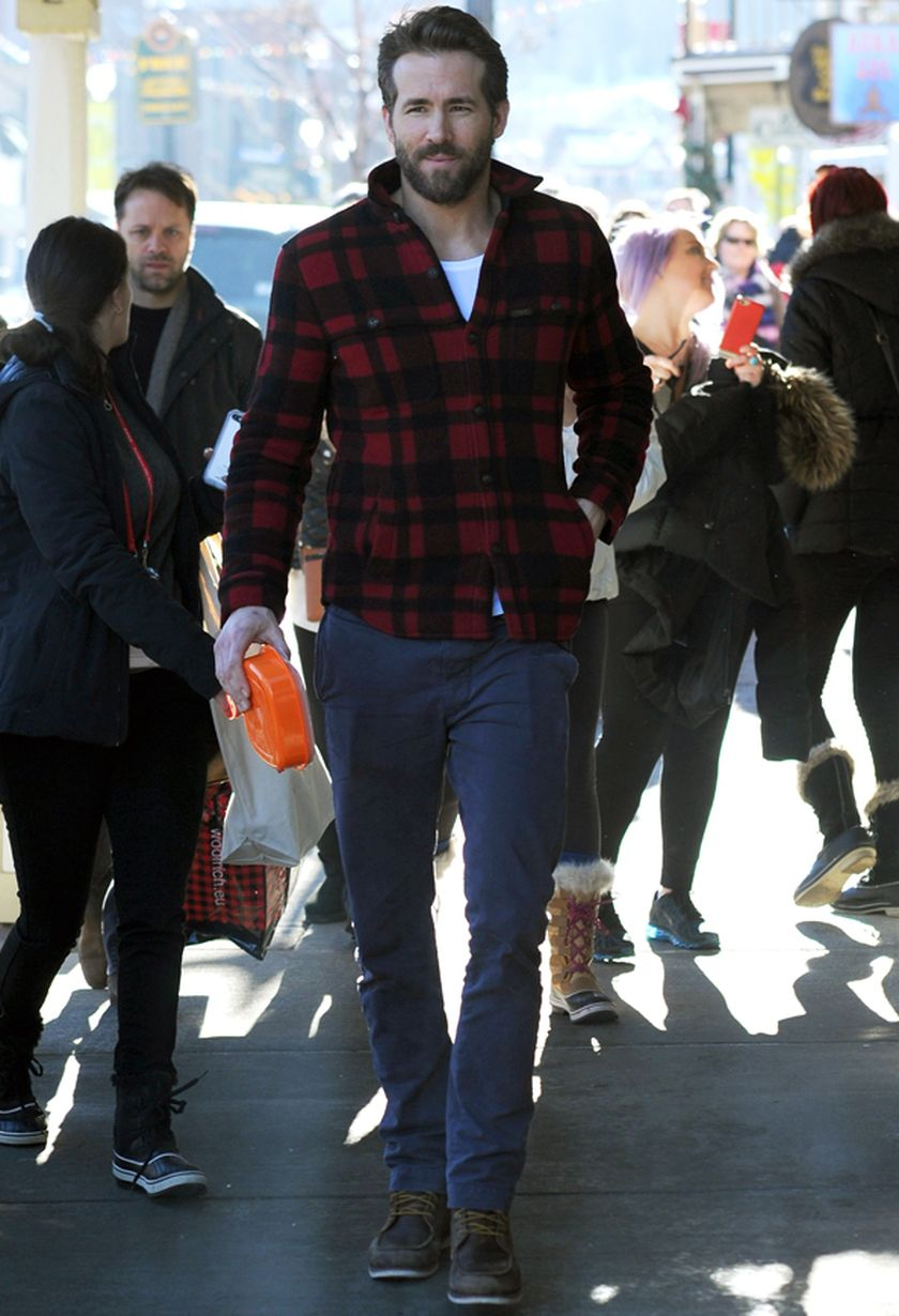 Ryan reynolds casual outfit style 24