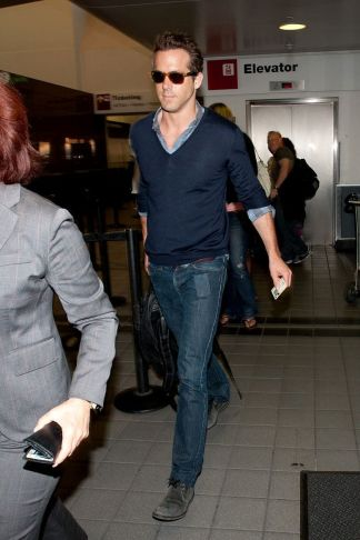 Ryan reynolds casual outfit style 46