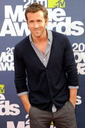 Ryan reynolds casual outfit style 57