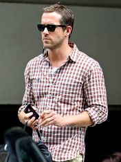 Ryan reynolds casual outfit style 72