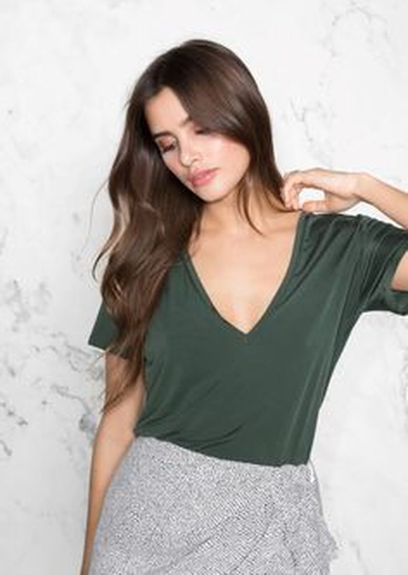 Sexy soft v neck tees women outfit style 14