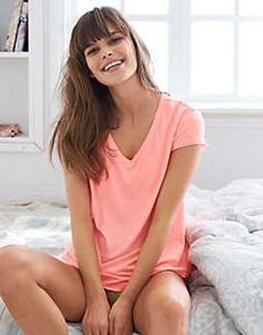 Sexy soft v neck tees women outfit style 28
