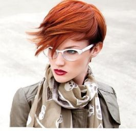 Short hair pixie cut hairstyle with glasses ideas 16