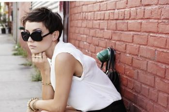 Short hair pixie cut hairstyle with glasses ideas 42