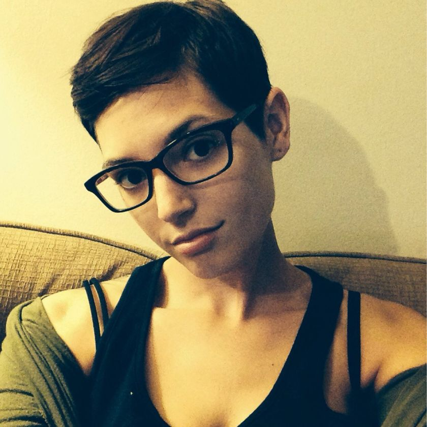 Short hair pixie cut hairstyle with glasses ideas 5
