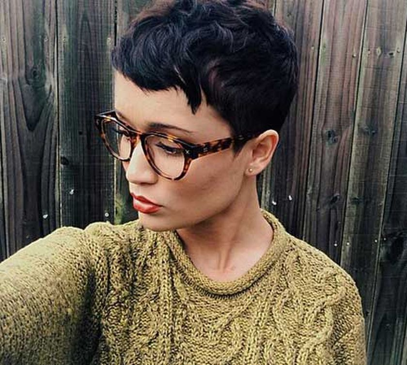 Short hair pixie cut hairstyle with glasses ideas 52