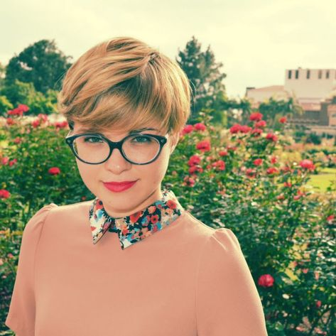 Short hair pixie cut hairstyle with glasses ideas 54
