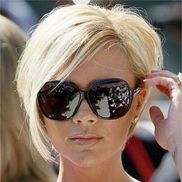 Short hair pixie cut hairstyle with glasses ideas 76