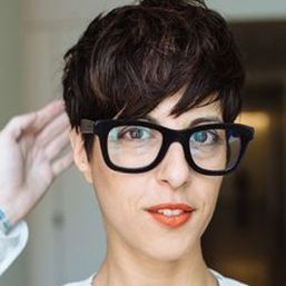 Short hair pixie cut hairstyle with glasses ideas 78